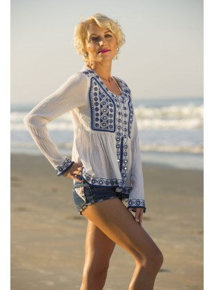 White rayon crape front open top with mirror embroidery